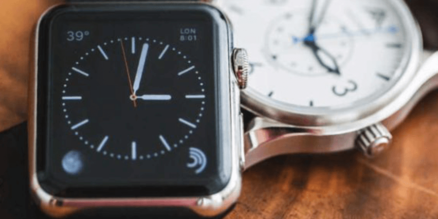 Should I Buy A Smartwatch Or Normal Watch – Expert Explains